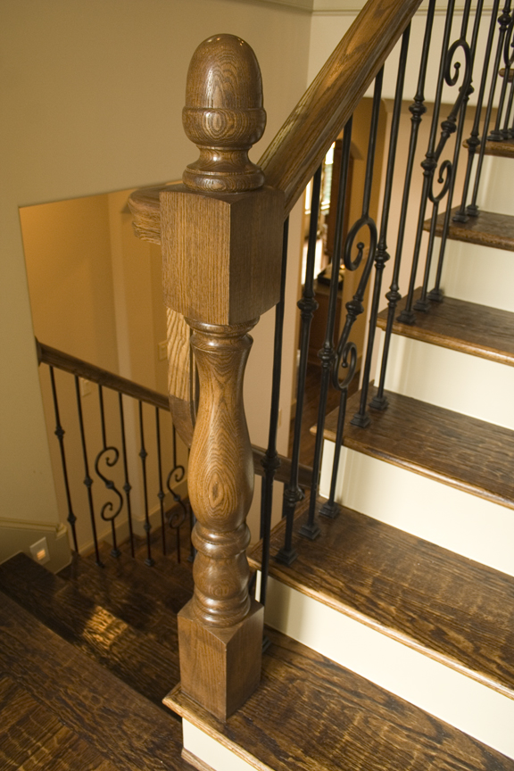 Tuscan Round Knuckle Balusters With Acorn Top Newel